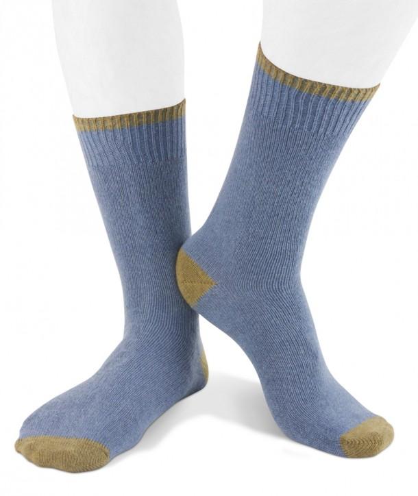 Short cashmere blend men socks denim olive