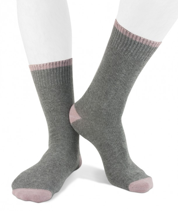 Short cashmere blend men socks grey pink