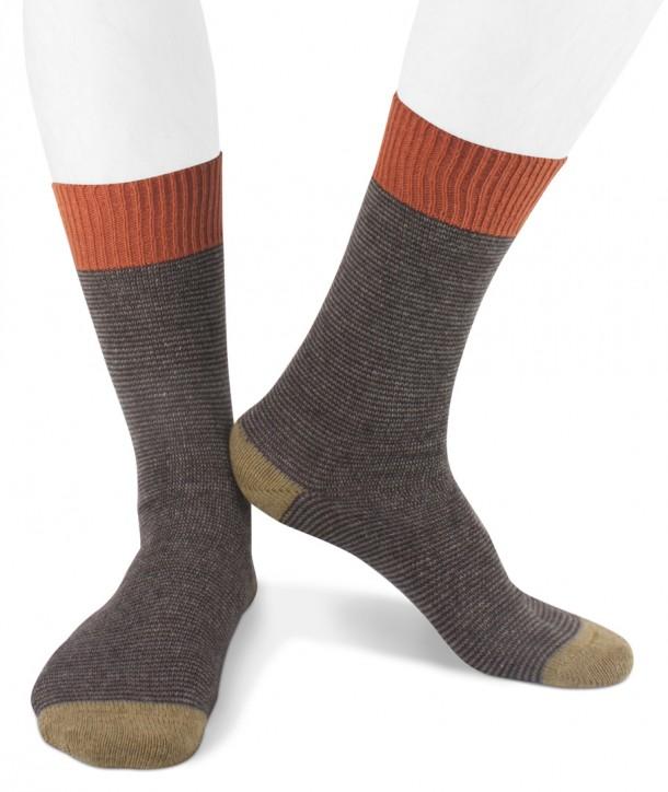 Short cashmere blend striped socks for men Brown